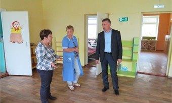 Глава Шекснинского района посетил отремонтированный детский садик «Гусельки»
