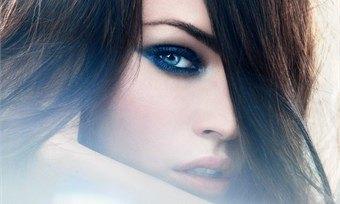 Восхищаемся брюнетками ипоздравляем темноволосых красавиц