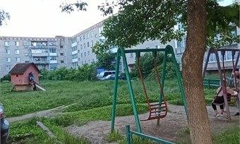 Жители Нифантово мечтают оновой детской площадке